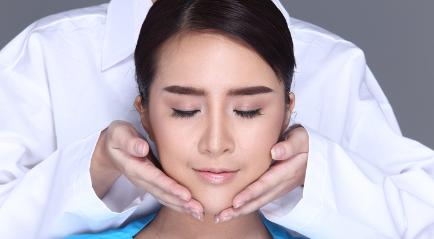 Cara mengurangi Lemak Wajah dengan Treatment Ini Dilakukan Tanpa Suntikan